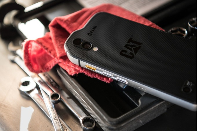 CAT S61 Smartphone with Thermal Imaging cameras and Lasers