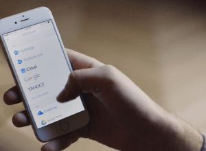 iOS Stock mail app versus the Gmail app showdown