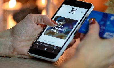 Do smartphones damage credit cards?