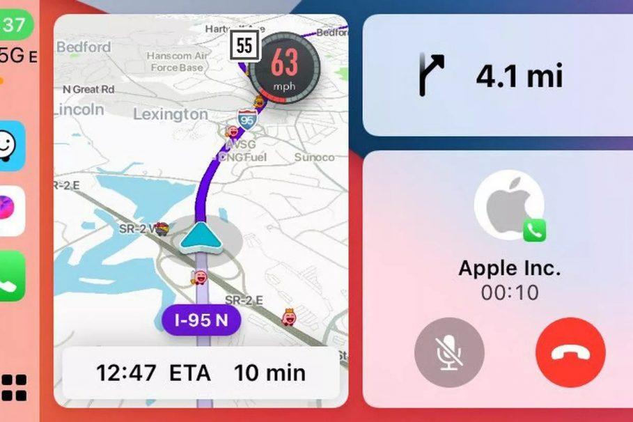 Waze CarPlay Split-Screen Screenshot