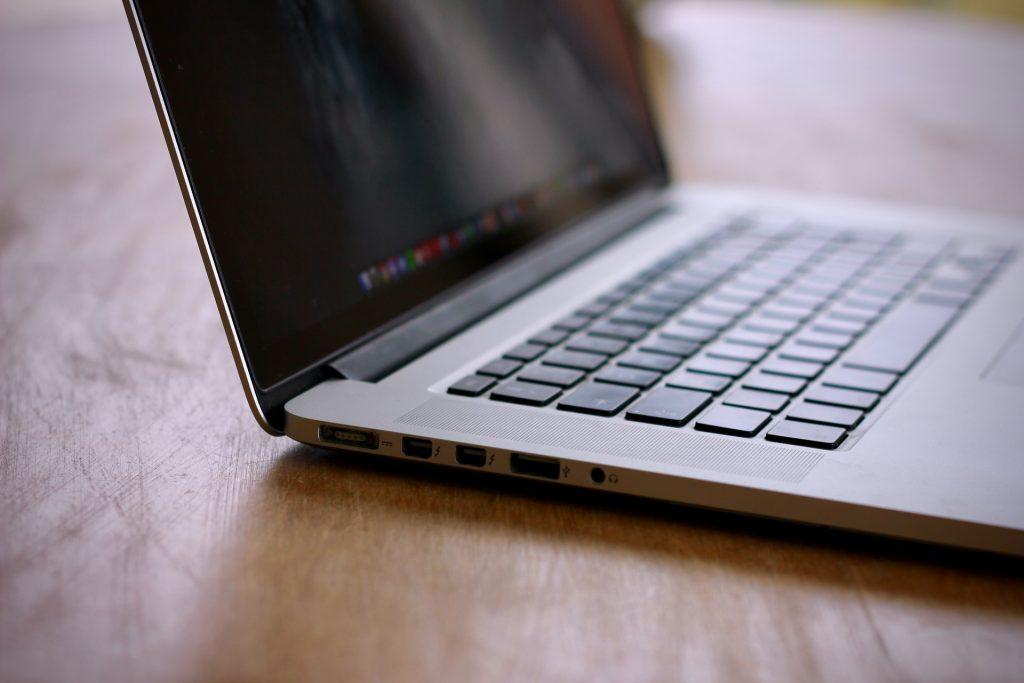 MagSafe Port MacBook